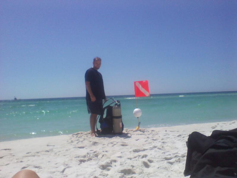 Navarre Beach on a purple flag. Losts of marine life only no camera