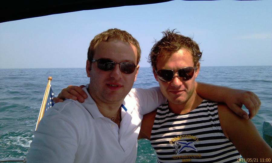 out on the boat in the ocean(i am to the right)