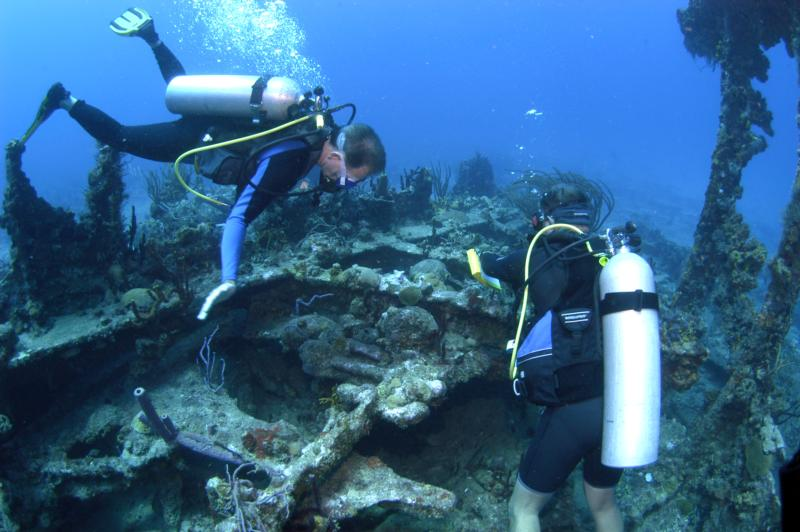 Diving Wreck of Rhone BVI