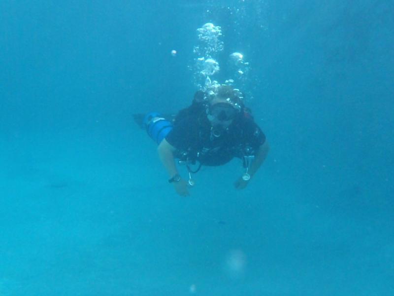 Me Sidemount in Pool2
