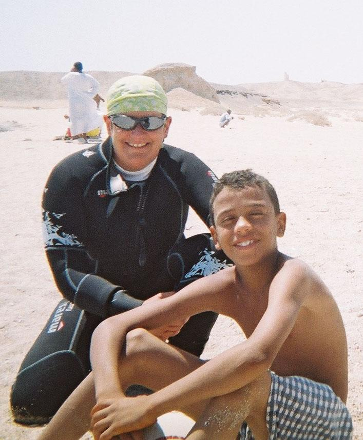 Met Ahmed over a game of water volleyball-his ball = his rules so 1. take a picture-job done Mr A