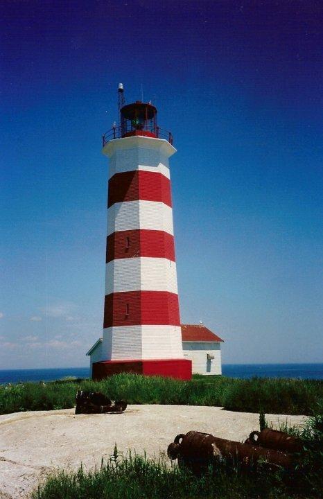 Nova_Scotia_Canada_diving_lighthouse