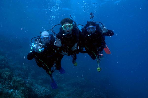 Diving the Great Barrier Reef in Australia off the Whitsunday Islands 2009