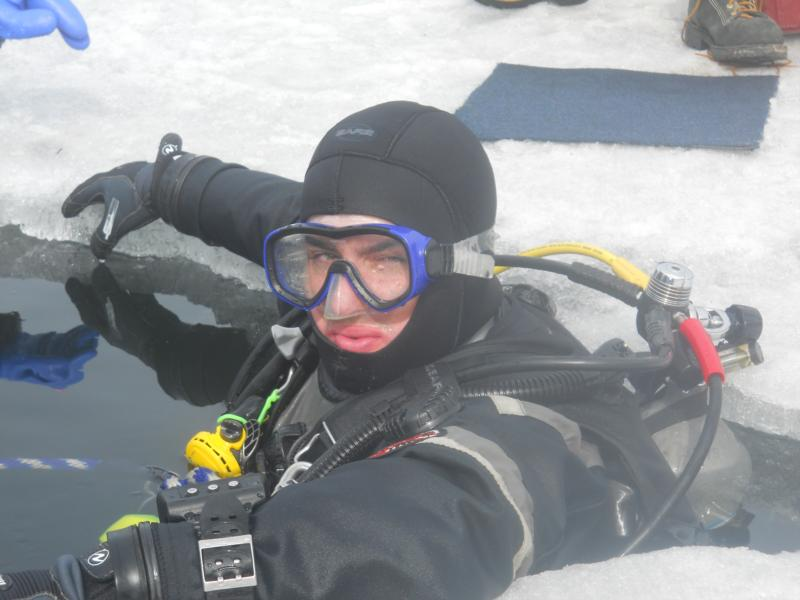 """Ice dive certification with"""" Test the Waters"""" in Fairbanks, Alaska"""