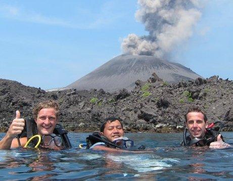 dayat,lui,scott on krakatoa