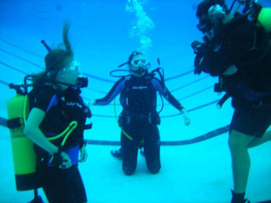 Advanced Diver Skills in Pool