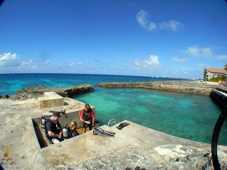 "This is the entry point for one of the shore dives in Grand Cayman. It's called a ""Moon Pool"""