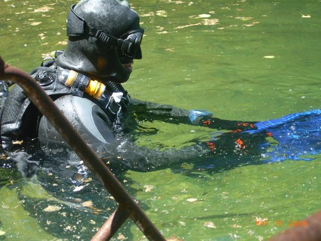 Getting ready for a dive at Hydes Quarry