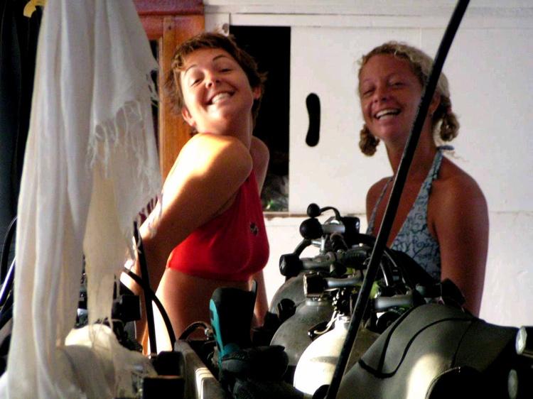 2003 - Sea Dragon MV Andaman - Dive Masters!!