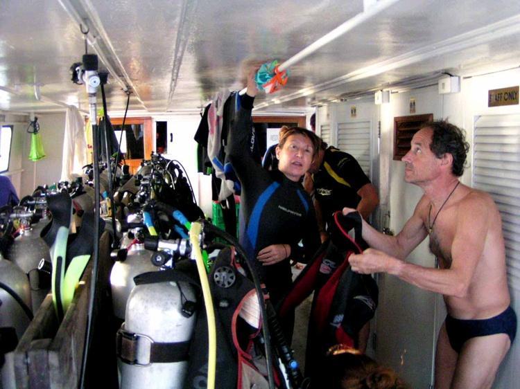 2003 - Sea Dragon MV Andaman - Dive time