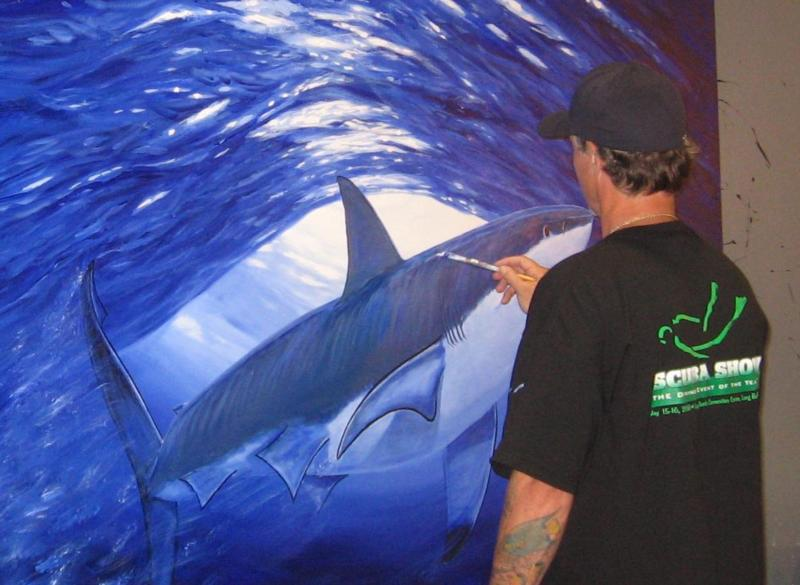 Wyland painting at SCUBA Show 2010
