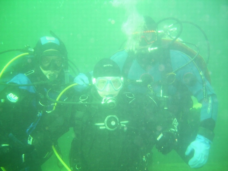 BSC - Bainbridge - Rob, JF and Kevin (Jason is taking the pic) in 36F water