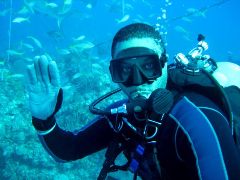 Rob diving from the AquaCat Xmas 08