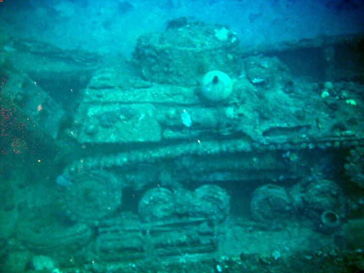 tank Truk Lagoon