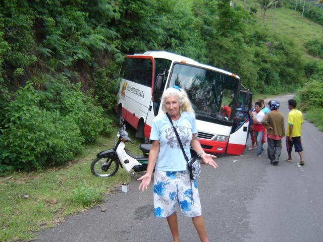 lombok, bus crash..we all lived!