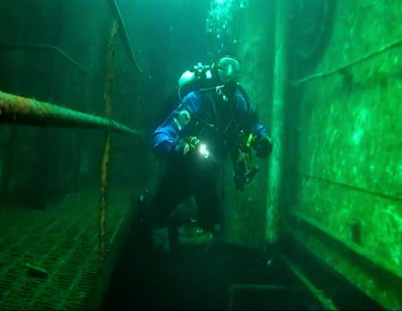 Inside the Niagra II in Tobermory