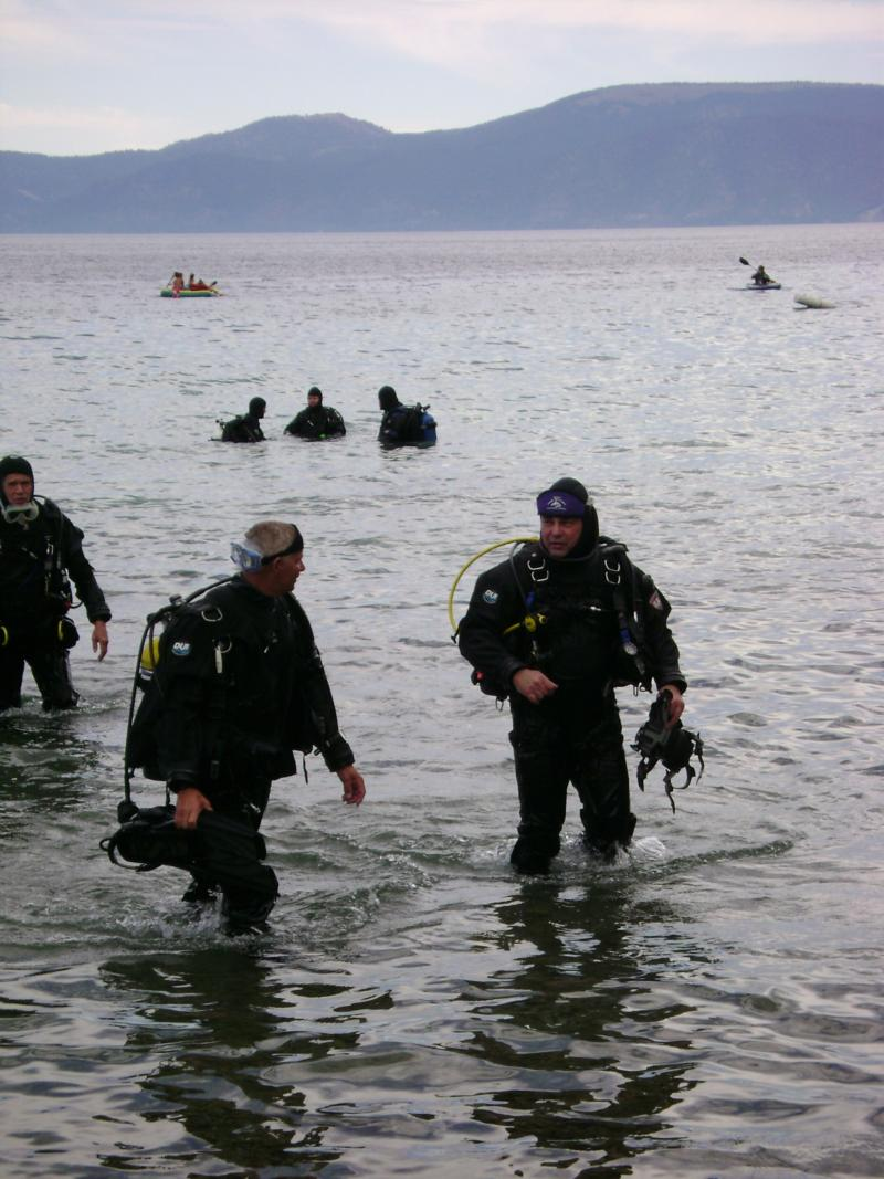 on right with diver buddy