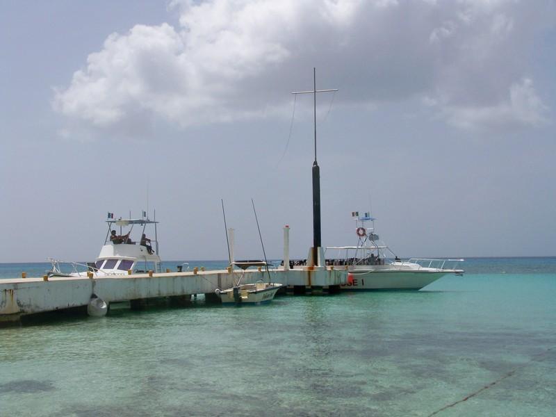 Dive House boats Cozumel M.X.2010